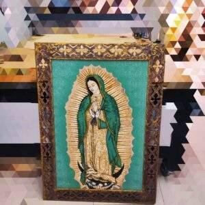 marco envejecido religioso en madera MDF
